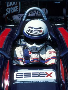 Not a stormtrooper but Elio de Angelis in a Lotus 81 - Ford-Cosworth DFV ( South Africa ) Racing Helmets, F1 Racing, F1 Motor, Lotus F1, Automobile, Formula 1 Car, F1 Drivers, Helmet Design, Ford