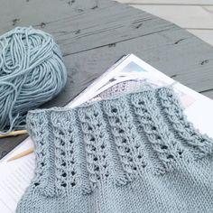 Andrine-sommerkjole på pinnene:) #klompelompe #strikkedilla #strikk #strikking #strikket #klompelompebok #knit #knitting #knitted #knitforkids #knitterofinstagram #knitstagram #instaknit #strik #sticka #barnestrikk #knitting_inspiration #handmade