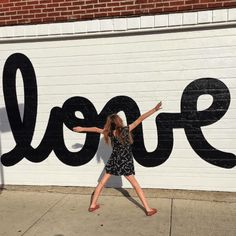 The Instagrammers Guide To Chicago, IL | Photo-Ops in Chicago | Bucktown, IL Love Mural