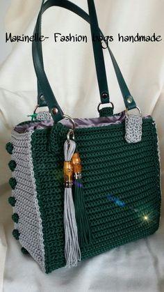 Daily Useful and Cool Crochet Bag Pattern Ideas - Page 17 of 60 Diy Crochet Bag, Crochet Wallet, Crotchet Bags, Crochet Flower Tutorial, Crochet Clutch, Crochet Shoes, Crochet Handbags, Crochet Purses, Knitted Bags