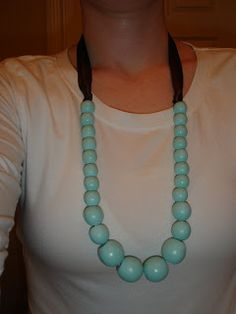 Wooden bead necklace, DIY