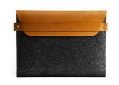 Mens Fine Grain Leather Compact Wallet by Ollys; Moore Collection Gift Boxed