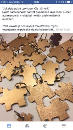 Muisto oppilaille (kuva FB) Gingerbread Cookies, Gifts For Kids, Diy And Crafts, Teacher, Activities, Create, School, Mini, Projects