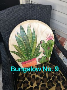 Upscale Furniture, Funky Furniture, Refurbished Furniture, Repurposed Furniture, Furniture Projects, Furniture Makeover, Painted Furniture, Home Furniture, Painted Metal Chairs