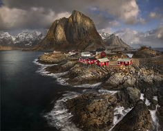 Reine  Reine is a remote fishing village that attracts a surprising number of tourists each year. In the 1970's the largest magazine in Norway identified Reine as the most beautiful village in all of Norway.