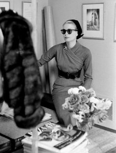 Miss Honoria Glossop via wehadfacesthen:  Grace Kelly, 1956, photo by Lisa Larsen   via princessgracekelly