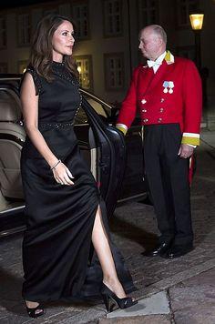 Princess Marie of Denmark attends the gala dinner in honour of the Armed Forces at the Fredensborg Palace on 26 September 2017 in Fredensborg, Denmark. Denmark Royal Family, Danish Royal Family, Style Royal, My Style, Corsage, Gala Gowns, Princess Marie Of Denmark, Rose Queen, Danish Royalty