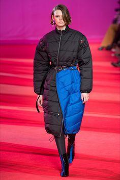 Sfilata 3.1 Phillip Lim New York - Collezioni Autunno Inverno 2017-18 - Vogue
