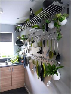 Ideas For Kitchen Wall Storage Ikea Hanging Pots Setting up a small kitchen: brilliant ideas for more storage space - small kitchen?Setting up a small kitchen: brilliant ideas for more storage space - Small Galley Kitchens, Cool Kitchens, Beautiful Kitchens, Küchen Design, House Design, Design Ideas, Kitchen Wall Storage, Kitchen Organization, Organization Ideas