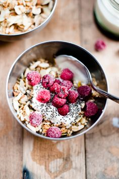 Gluten free, fructose free toasted muesli. A great start to the morning, perfect with yoghurt, chia, a handful of berries and your milk of choice.