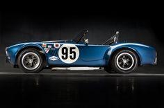 Shelby Cobra 1964. Una MG Midget dopo sei mesi di EPO.