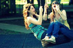Hemos echo de todo juntas, platicar, dibujar, escribir, llorar hasta dormir, reír hasta llorar, gritar hasta quedarnos sin voz, comer hasta engordar, imaginar nuestro mundo perfecto, y te puedo asegurar que no me arrepiento de ninguna de nuestras locuras. Las haría una y otra vez, pero que sea juntas :')