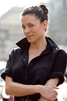 That's Not My Age: Grown-up style: the oversized shirt -- Garance Dore Thats Not My Age, Scott Schuman, Popped Collar, Sartorialist, Effortless Chic, French Chic, Great Women, Parisian Chic, Roll Up Sleeves