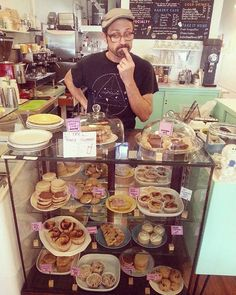 Decisions, decisions...brownie (gf), oatmeal chocolate chip cookies (gf), blueberry pocket pies (gf), blueberry hand pies, pb s'mores cookies (gf), snickerdoodles, chocolate chip, blueberry lemon muffins, lemon cupcakes, or cinnamon rolls (reg or gf!). Open 10-6 every Sunday! #seattlecookiecounter #totallyvegan #greenwoodseattle #greenwood #glutenFULL #glutenfree