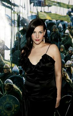 Liv Tyler has been in the spotlight nearly all her life thanks to her famous parents, model Bebe Buell and Aerosmith frontman Steven Tyler, and was one of Hot Actresses, Hollywood Actresses, Bebe Buell, Liv Tyler 90s, Actrices Hollywood, Sarah Michelle Gellar, Celebrity Outfits, Pretty Face, American Actress