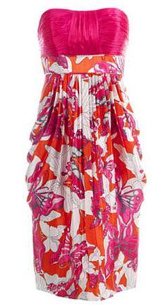 Vestido strapless fruncido: Hay muchas modas para hacer un vestido strapless fruncido. Podemos fruncir un vestido o blusa a lo ancho o podemos frncir un vestido o blusa a lo largo. Las dos formas ya estan explicadas en este blog en la ropa intantil y en una blusa con fruncido a los costados Vamos a …