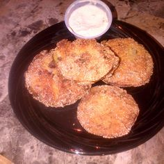 Fried Green Tomatoes This was my first attempt at making these. So I used Simplyrecipes.com. They turned out alright. http://www.simplyrecipes.com/recipes/fried_green_tomatoes/