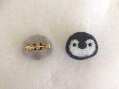 簡単!羊毛フェルトレシピ☆一緒にお出かけしたくなる♪Myブローチの作り方|LIMIA (リミア) Diy Pins, Needle Felting, Embellishments, Diy And Crafts, Mini, Stud Earrings, Crafty, Bed Room, Accessories