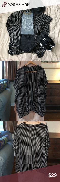 Nordstroms SOPRANO Kimono This Boho SOPRANO Kimono from Nordstroms is in EXCELLENT CONDITION! No flaws! Size Medium. Fits up to a XXL. Please check out my closet!👗👙👠 Soprano Tops