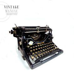 #vintage #visualmerchandise #typerwriter