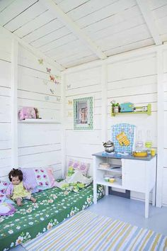 re-purpose crib mattress for playhouse