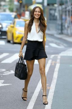 Kelsey Merritt – Callbacks for the Victoria's Secret Fashion Show 2018 in NYC Model Street Style, Street Style Women, Kelsey Merritt, Vs Fashion Shows, Victoria Secret Fashion Show, Celebrity Look, Casual Summer Outfits, Mode Style, Sexy Legs