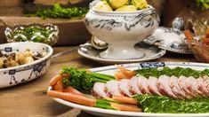 Hamburgerryg med stuvet spinat Beef, Seaside, Dinner Ideas, Recipes, Aesthetics, Mushroom, Spinach, Meat, Beach