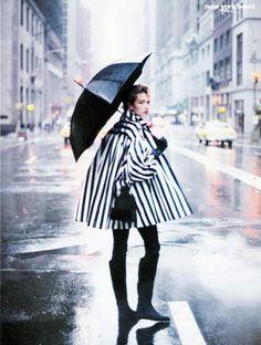 "vogue, sept/1989 - ""new york news""-tatjana patitz- photographed by: peter lindbergh - styling: grace coddington."