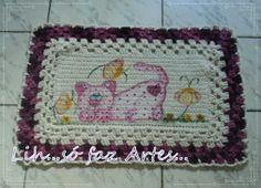 Tapete com em croche com pintura gatinha inovartartesanatosemeva.blogspot.com