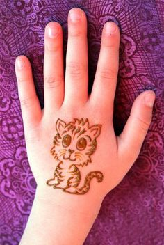 Mehndi Designs will blow up your mind. We show you the latest Bridal, Arabic, Indian Mehandi designs and Henna designs. Mehendi Designs For Kids, All Mehndi Design, Peacock Mehndi Designs, Henna Art Designs, Modern Mehndi Designs, Mehndi Design Photos, Mehndi Designs For Fingers, Beautiful Mehndi Design, Arabic Mehndi Designs