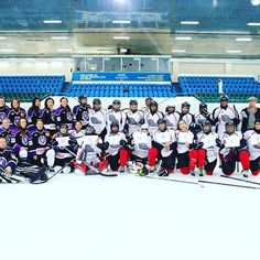 Tackla hockey. Women's teams from Abu Dhabi and Dubai met for the #WGIHW in the United Arab Emirates.