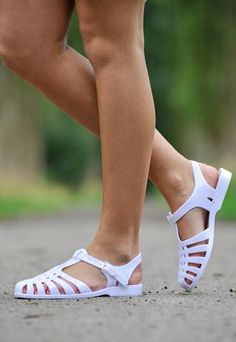 White Jelly Sandals from Poppy Avenue-- @Brianna Middleton look at these!!!!!!