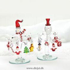 Masser af julehygge - porcelæn, til bordet, til træet og fine lyskæder ...