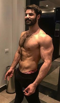 Can't recognize him with the THICK beard Hairy Hunks, Hunks Men, Hot Hunks, Hairy Men, Bearded Men, Scruffy Men, Men Beard, Hommes Sexy, Hairy Chest