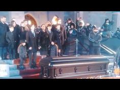 Celine Dion The last goodbye touching farewell to René Angelil funeral - Last moments Outdoor. - YouTube