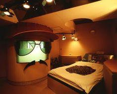 ://bp1.blogger.com/_qExcwwNvEj4/Rh2zR1WbbuI/AAAAAAAAATQ/Q2D7SWCu9ZA/s320/Love_Hotel_Japan.jpg