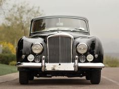 1954 Bentley R-Type Continental Fastback Sports Saloon by Franay Bentley Auto, Mini Clubman, Triumph Spitfire, Skulduggery Pleasant, Car Guide, Cool Pictures, Type, Classic, Bentley Continental