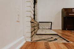 Excellent Totally Free Fireplace Hearth removal Concepts – Rebel Without Applause Brick Hearth, Fireplace Inserts, Minimal Home, Farmhouse Design, Old Bricks, Fireplace, Brick Fireplace, Front Stairs, Exterior Brick