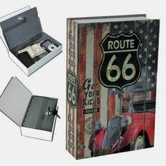 La caja fuerte de toda la vida escondida en un libro de lo más chulo. Quieres la tuya? pues consíguela aquí: http://tiny.cc/qrrhhy