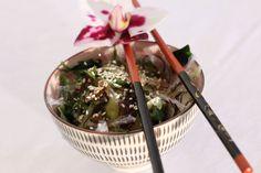 Algen-Gurken-Salat: http://trendsahne.de/kulinarisches-aus-japan-kleiner-ausflug-gefaellig/