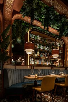Deco Restaurant, Luxury Restaurant, Restaurant Lounge, Modern Restaurant, Bar Lounge, Bar Interior Design, Restaurant Interior Design, Japanese Restaurant Interior, Deco Cafe