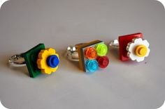 LEGO Rings from Chez Beeper Bebe. and LEGO Hacks, Ideas and Activities for Kids on Frugal Coupon Living. Diy Lego, Lego Craft, Cool Lego, Lego Lego, Lego Batman, Lego Ninjago, Lego Friends Birthday, Lego Birthday Party, Lego Jewelry