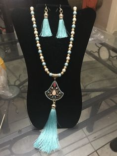 Wire Jewelry, Jewelry Crafts, Beaded Tassel Necklace, Jewerly, Tassels, Jewelry Making, Pearls, Ideas Para, Bracelets