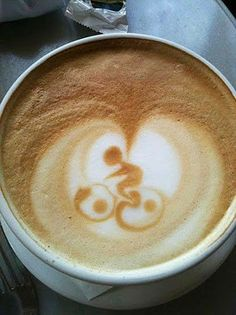 "Previous pinner ""cyclist in cappuccino foam. This barista needs a raise!"" – no s… Previous pinner ""cyclist in cappuccino foam. This barista needs a raise!"" – no shit! I'd be flipping out if I got this in my Coffee!"