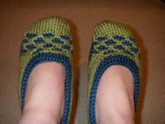 Ravelry: Shaney21's Julie's Lattice Slippers