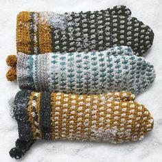 Ontwerp: Handwerkjuffie Populair van de workshops Scandinavisch Haken! Zweden kent lange, koude winters. Binnen is het knus, de houtkachel aan en er wordt volop aan handwerken gedaan. Wie wil er niet van die heerlijke wanten? Handwerkjuffie laat je zien hoe je ook wanten kan haken. Loom Knitting, Fingerless Gloves, Arm Warmers, Mittens, Knit Crochet, Crochet Patterns, Embroidery, Sewing, Inspiration