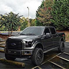 New blacked out ford - autos - Truck Lifted Ford Trucks, Jeep Truck, New Trucks, Custom Trucks, Cool Trucks, Pickup Trucks, F150 Lifted, Ford F150 Fx4, Ford Bronco
