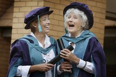 emma thompson and her mum phyllida law receive  honorary doctorates in glasgow