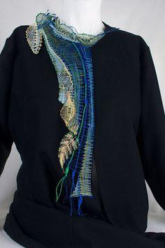 ENCAJERAS DE BOLILLOS DE BENALMÁDENA Doily Art, Lace Art, Lace Jewelry, Textile Jewelry, Romanian Lace, Bobbin Lace Patterns, Textiles, Lacemaking, Lace Design