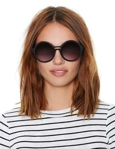 Multiple Messy Layers - 40 Bold and Beautiful Short Spiky Haircuts for Women - The Trending Hairstyle Girls Haircuts Medium, Short Hairstyles For Thick Hair, Trendy Haircuts, Hairstyles For Round Faces, Short Hair Styles, Haircut Medium, Top Hairstyles, Wavy Hair, Round Face Long Bob